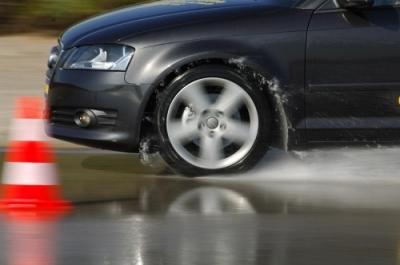 Liikluseksperdid: autokoolide tihe konkurents on langetanud õppekvaliteeti