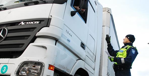 Liikluses on vaja: kehtiv juhiluba, tervisetõend, tehnoülevaatus ja kindlustus