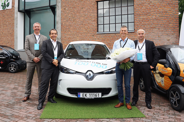 Renault andis võtmed kätte 100 000. elektriauto ostjale