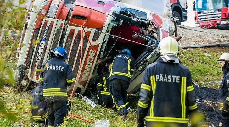 Tallinna-Rapla maanteel juhtus veokiga liiklusõnnetus