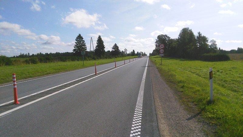 Maanteeamet paigaldab Aaspere-Haljala lõigule möödasõitu takistavad kummipostid