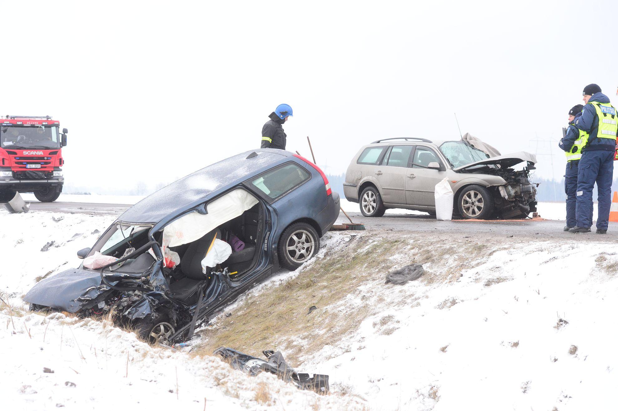 Tartumaal hukkus kahe sõiduki laupkokkupõrkes eakas mees