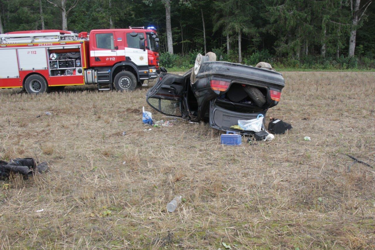 Liiklusaasta kokkuvõte: Eesti inimesed alahindavad kiiruse ületamisest ning kõrvaliste tegevustega tegelemisest tulenevaid riske