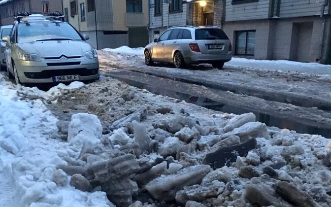 Mupo: Põhja-Tallinnas muudavad valesti parkijad lumekoristuse võimatuks