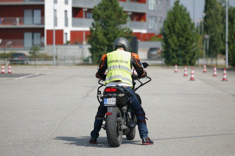 Politsei palub liikluses tähele panna kaherattalisi sõidukeid