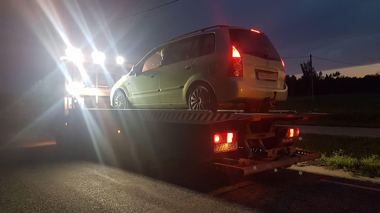 Valvsad kaasliiklejad peatasid Jõgevamaal joobes autojuhi