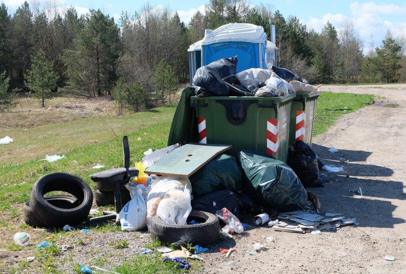 Parklatesse veetav prügi võib sundida prügikonteineritest loobuma